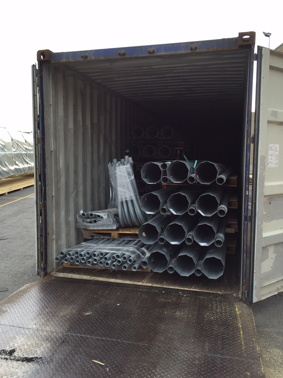 loading-40ft-container